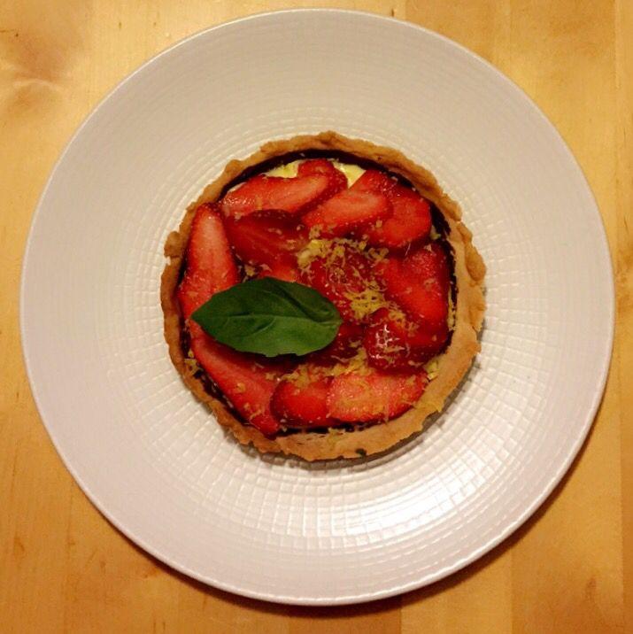Tartelette aux fraises, crème pâtissière vanille basilic