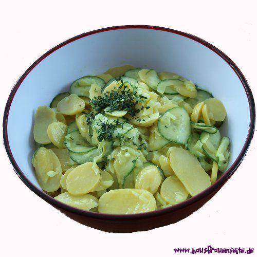 schwäbischer Kartoffelsalat Schwäbischer Kartoffelsalat mit Gurke - Als ins Schwäbische gezogene Badenerin bin ich von dieser Kartoffelsalat-Variation begeistert. vegetarisch vegan laktosefrei glutenfrei ohne Mayo!