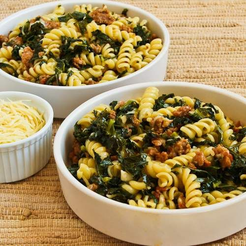 Recipe for Pasta with Hot Italian Sausage, Kale, Garlic, and Red Pepper Flakes; this is amazingly good for such a simple recipe. [from Kalyn's Kitchen] #LowGlycemicRecipe #KaleRecipe