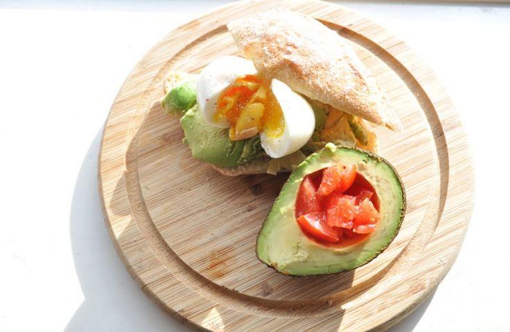 Twee lekkere en simpele lunchtips met avocado op brood! Krijg je al trek?
