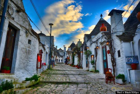This little Italian town that makes you feel like you are living in a fairy tale // alberobello