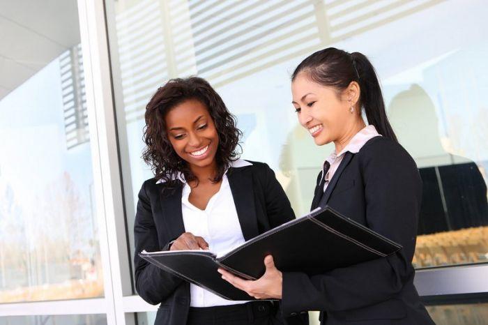 Chargé(e)/Chef de projet événementiel : Etudes, diplômes, salaire, formation, rôle, compétences   Carrière Hôtesse