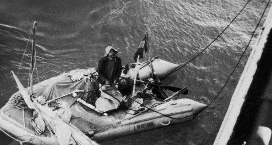 Alain Bombar fue un médico y navegante francés que en 1952 realizó un experimento que ha ayudado a salvar miles de vidas desde entonces.  #náufrago #aventurero #Canarias #Atlántico #supervivencia