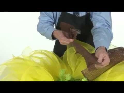 Video: Tom Michael demonstrates how to make a Sunflower Mesh Wreath. #burtonandburton #sunflower #wreath