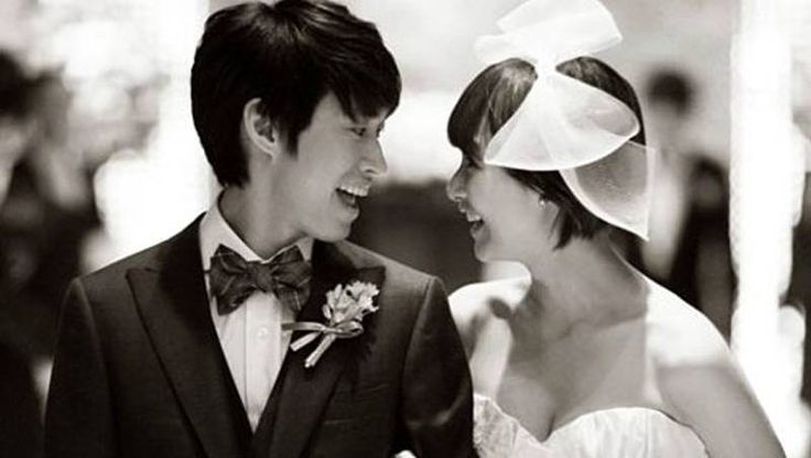 Tablo says wife Kang Hye Jung must be tired of his frequent events for her | http://www.allkpop.com/article/2015/05/tablo-says-wife-kang-hye-jung-must-be-tired-of-his-frequent-events-for-her