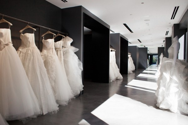 18 best images about bridal changing room on pinterest for Vera wang wedding dresses outlet