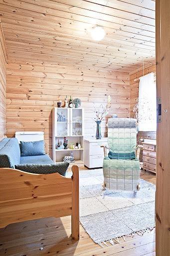 Log house for sale in Mikkeli, Finland  / bedroom