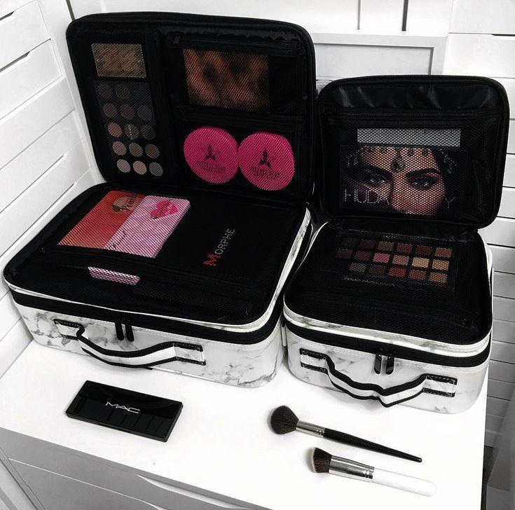 Best Makeup Bag Amazon His Large Makeup Bag Walmart Nor Makeup Looks Horrible On Amazo Large Makeup Bag Best Makeup Products Makeup Bags Travel