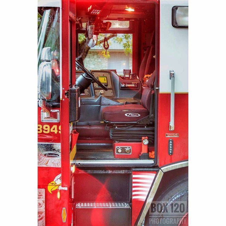 FEATURED POST  @box120photography -  SAFD || WORKING HOUSE FIRE || Crews have kept busy today with the weather and this West Side fire. Today at approx 1544hrs crews of the 4th Battalion were dispatched for a report of a house fire in the 8300 blk of Sageline. As companies were checking in route Engine Co. 35 advised - Were about a mile out but we have heavy black smoke in that direction SAFD Dispatch updated the incident to a working fire. EN35 and TK35 arrived on scene to Heavy fire in a…