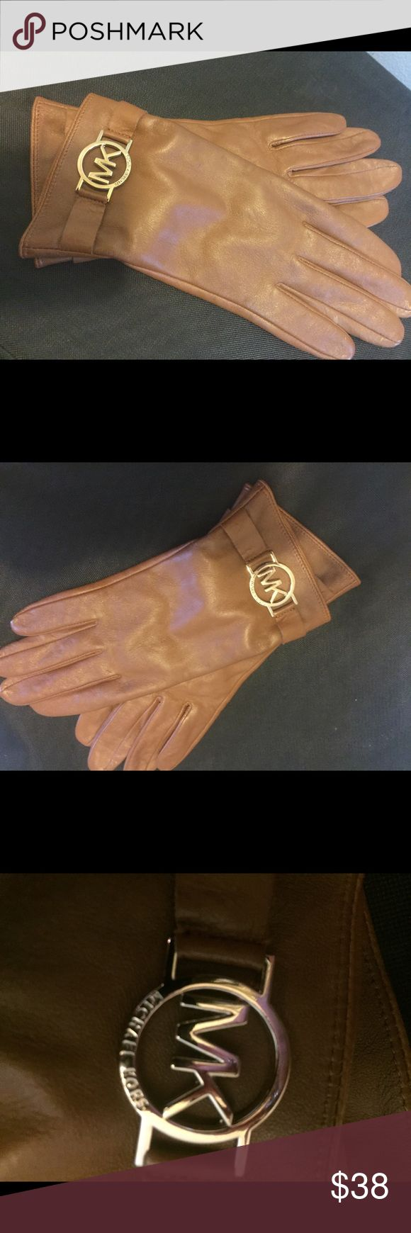 Michael Kors leather camel gloves Size M, beautiful camel color, gold embellishment, fashion gloves Michael Kors Accessories Gloves & Mittens