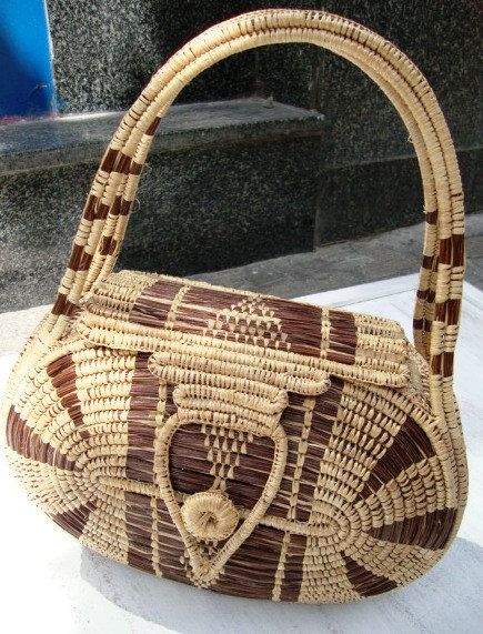 60s wicker bag oval tote basket purse top handles market circle woven natural fiber straw wood /travel bohemian hippie