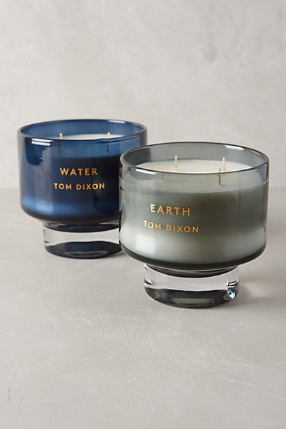Earth: mint, cedar and guaiac wood infused with fresh moss Water: subtle hints of watermelon blended with amber musk