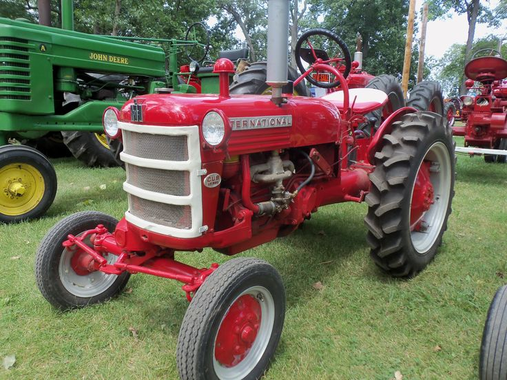 International Harvester Cub Tractor : Best images about cub lo boy tractor on pinterest