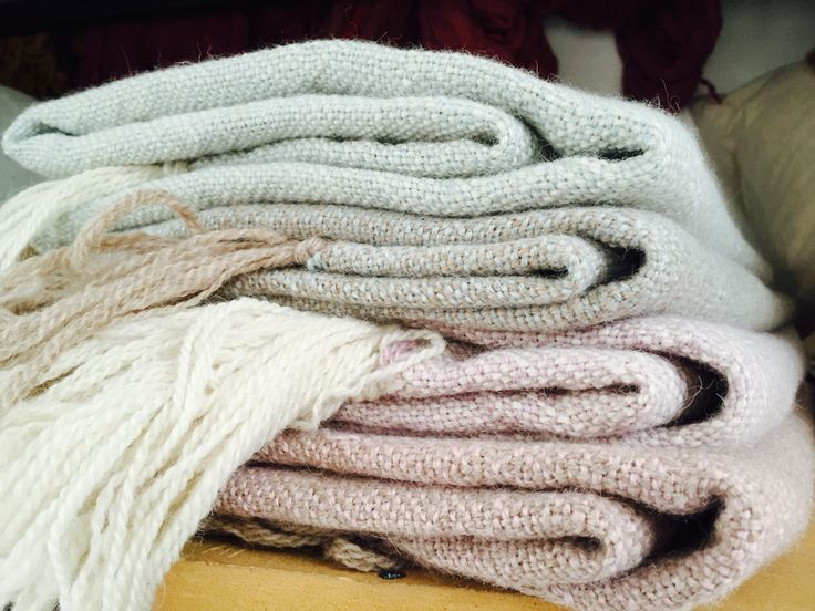 Chales de alpaca tejidos a telar de Magdalena Le BLANC