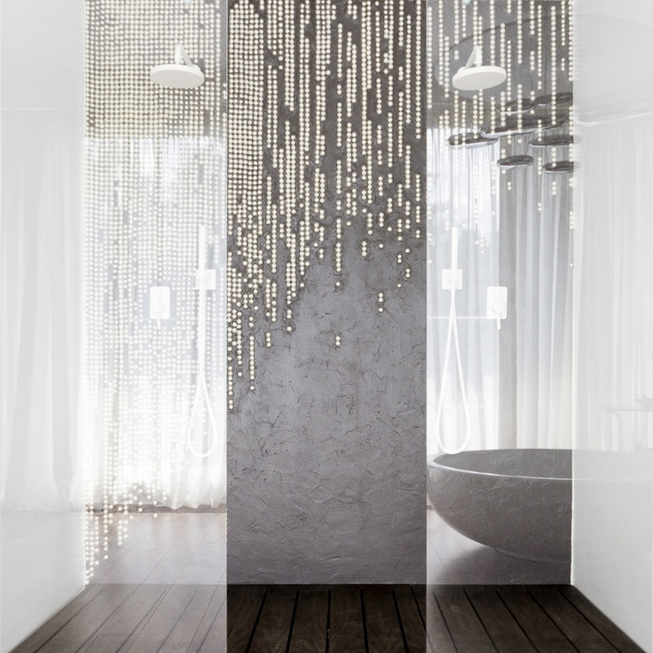 www.mihaela-damian.com  Shower
