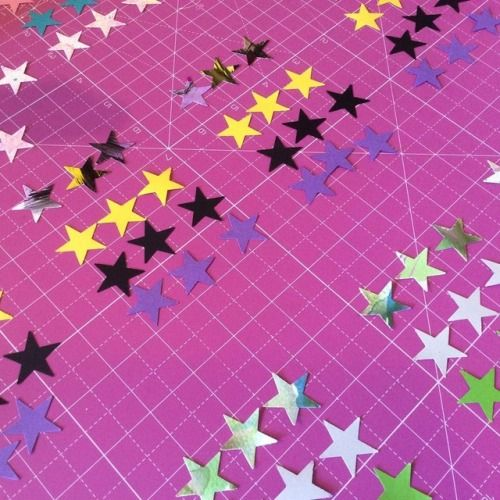 ✨💖✨ In the studio - getting little stars from our collections organised before turning them into cupcake toppers!