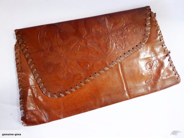 In good vintage condition. With open side pocket inside. 29 cm x 16 cm. Please check out my other listings for more genuine leather accessories. Combined shipping welcome. Payment within 5 days please or item might be relisted.
