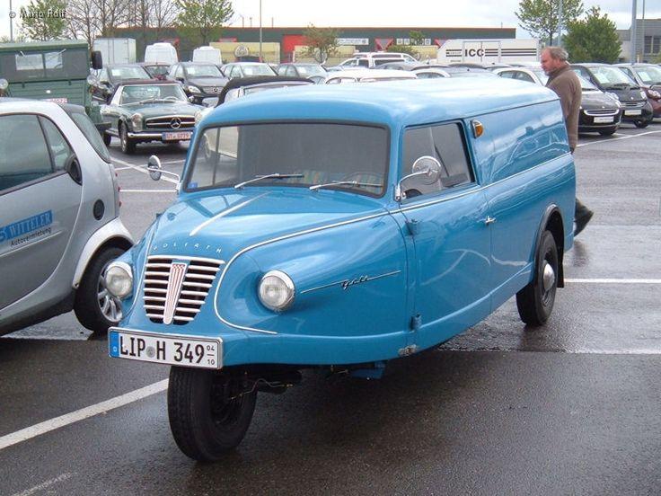 Goliath Dreirad 1959 Rolf - Der Goliath Goli war ein Kleintransporter des Borgward-Konzerns, den das Goliath-Werk in Bremen von 1955 bis 1961 baute. Er löste den Goliath GD 750 ab und war der letzte in Deutschland gebaute dreirädrige Lastkraftwagen. Die Verkaufszahlen waren seit 1957 rückläufig, sodass insgesamt nur 9904 Golis produziert wurden.   ===>  https://de.wikipedia.org/wiki/Goliath_Goli   ===>  https://commons.wikimedia.org/wiki/Category:Goliath_Goli?uselang=de