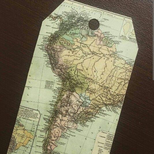 TARJETAS DE REGALO. Material: Recorte de Revista.  #papel #reciclaje #paperlove #manualidades #arte #artesania #tarjetas #mensaje #tarjetaderegalo #revista #mapa #america #mundo #world