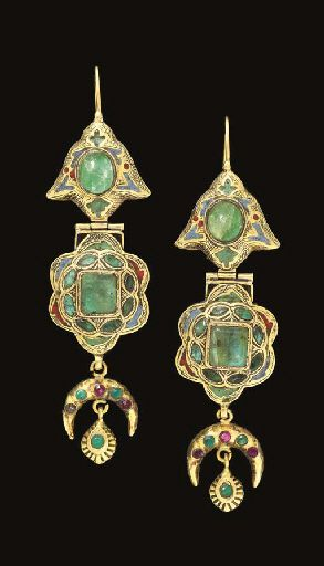 A pair of Moroccan emerald set and enamelled gold earrings | Fez | Late 18th or early 19th century