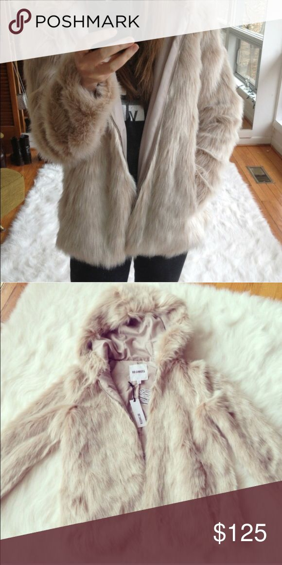 The softest BB Dakota jacket ever. Amazing furry jacket from BB Dakota. Heavy, warm, glamorous, and hooded. Everyone will want to hug you. Worn twice - I have another one just like it and can't justify hogging both to myself. BB Dakota Jackets & Coats