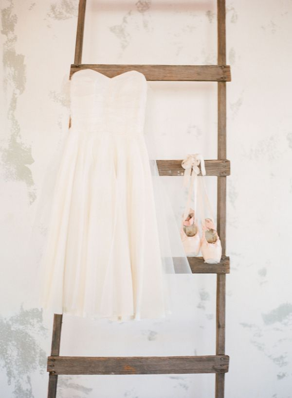 ballerina's wedding, photo by Michelle Boyd http://ruffledblog.com/ballet-wedding-inspiration #ballet #wedding #bridal