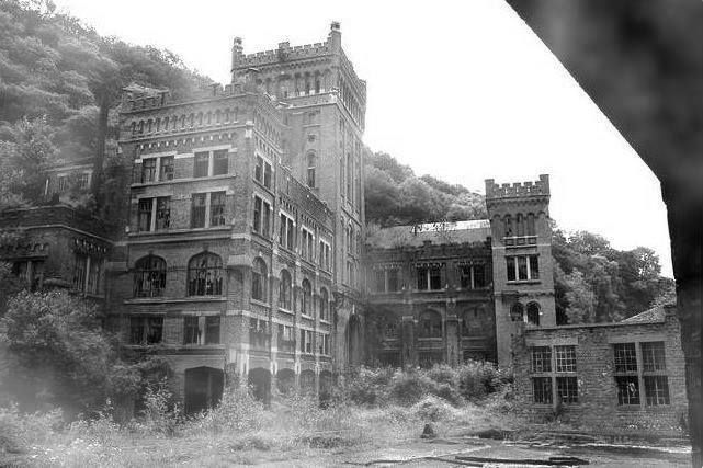 Creepiest abandoned places cracked