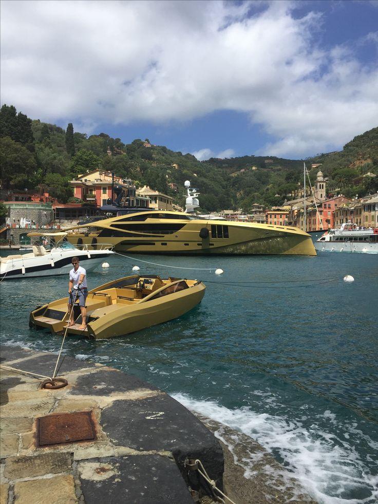 khalilah in portofino bateau bateaux de luxe voilier. Black Bedroom Furniture Sets. Home Design Ideas