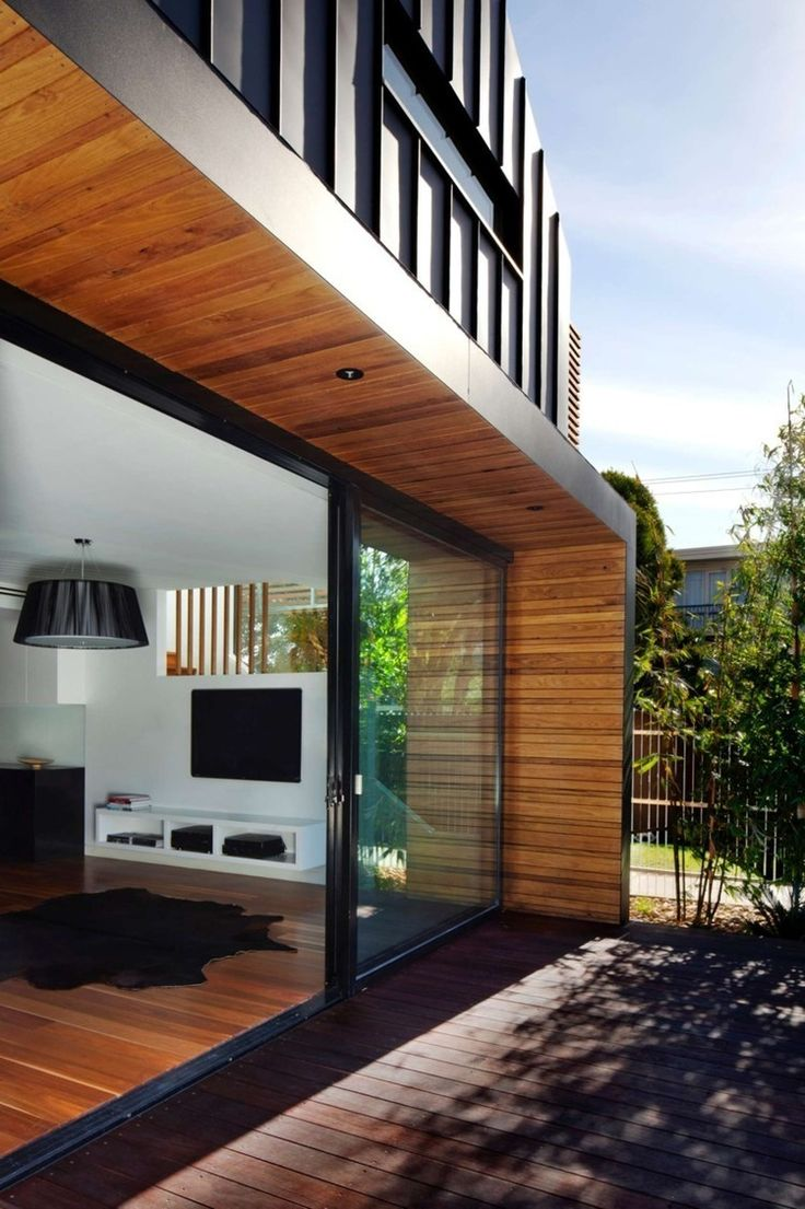 Elsternwick House by Simon Couchman - cladding around side and roof of deck