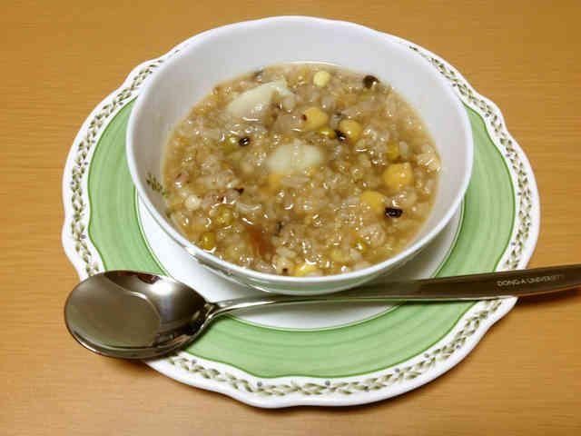 豆類と雑穀で作るおかゆ~「八宝粥」~