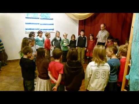 2011-10-28 Kékvölgy 2.osztály - YouTube