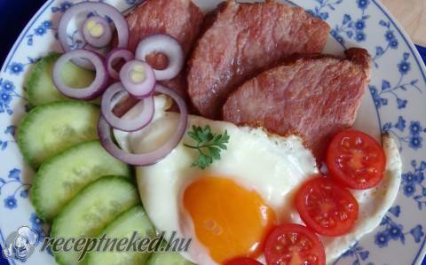 Tarjás reggeli gazdagon recept fotóval