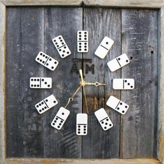 Reloj dominó. Suggestion by http://roomdecorideas.eu/