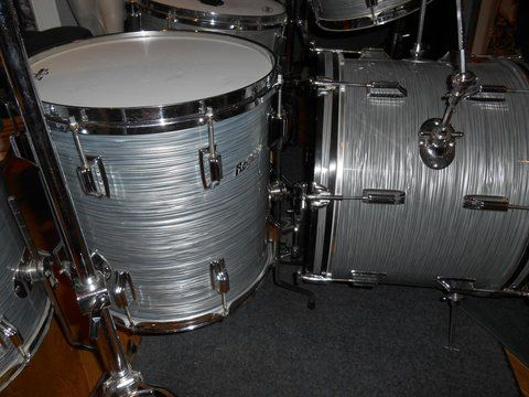 Jack  McFeeters uploaded this image to 'Rogers Drums/Rogers 1967 Steel Gray Ripple Pearl'.  See the album on Photobucket.