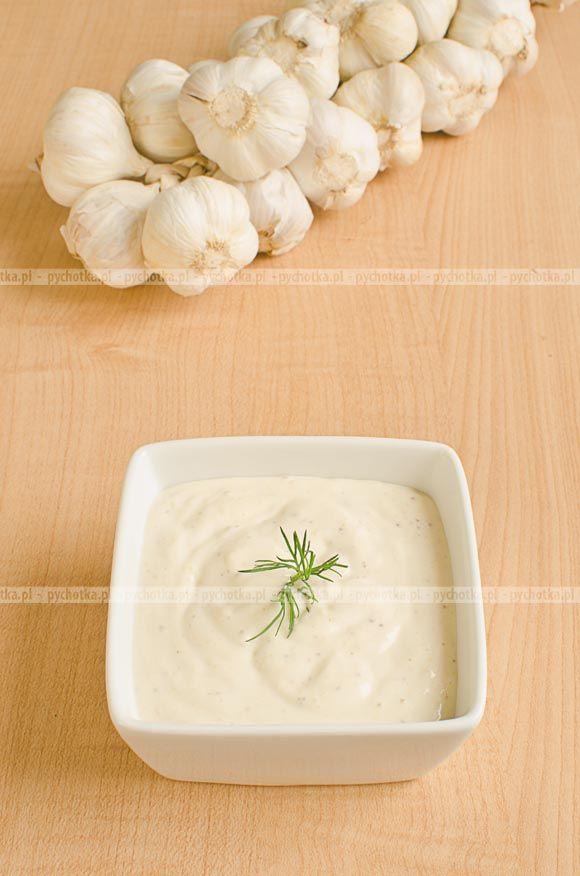 Kremowy sos czosnkowy
