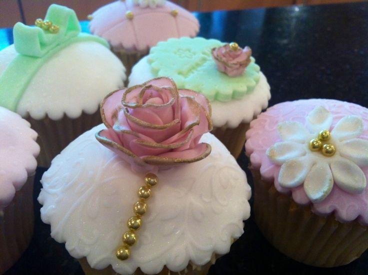 Cake Decorating Tips Blog : Cupcake Blog Recipes Decorating Tips Equipment Supplies cakepins.com cakes Pinterest ...