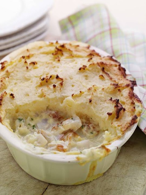 Traditional fish pie