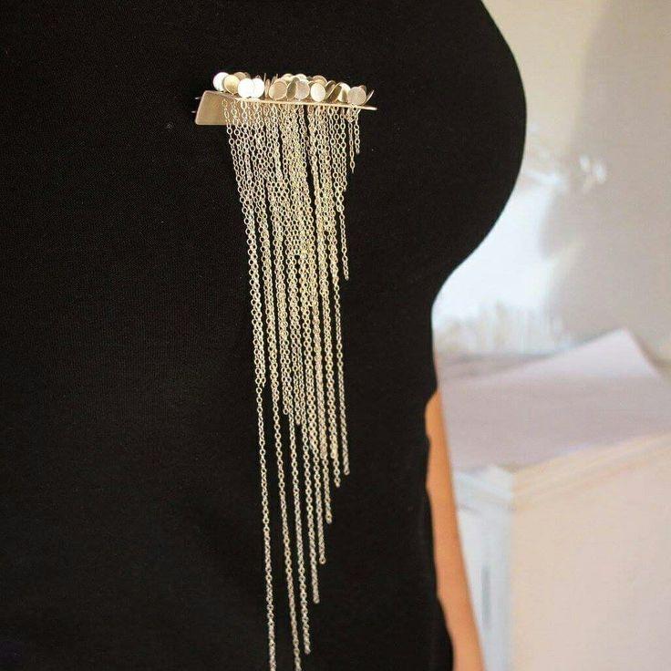 Silver broch,  kinetic jewelry zig zag effect