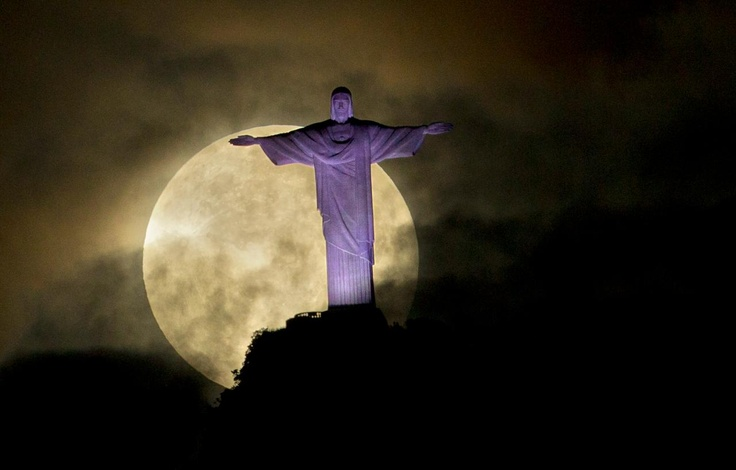 Super moon. See the whole slide show.: Christ The Redeem, Moon, Rio De Janeiro, Super Moon, New Moon, Photo Galleries, Supermoon, Riodejaneiro, Night Sky