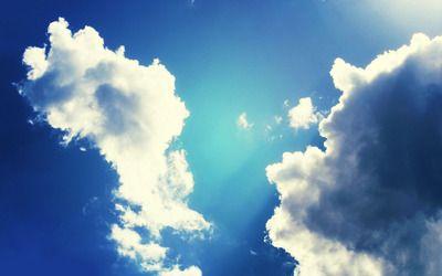 Dispersing clouds wallpaper