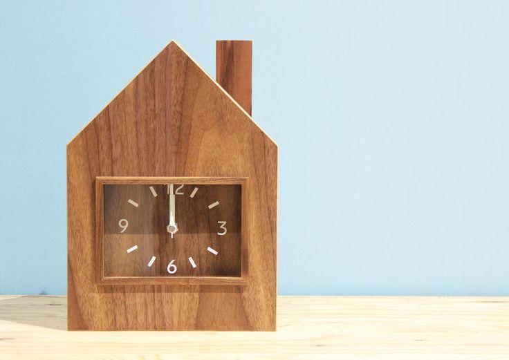 木の家の置き時計(オーク)(置時計)【HOME'S Style Market】|おしゃれな家具・インテリアの通販(商品コード:sm-020-50016-oak)
