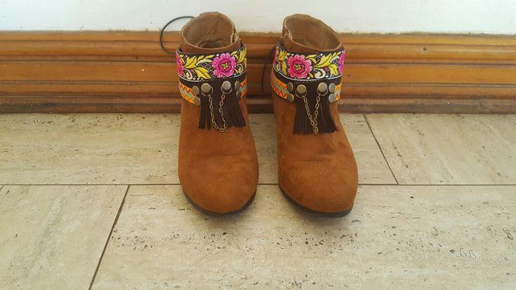 cubre botas, boho