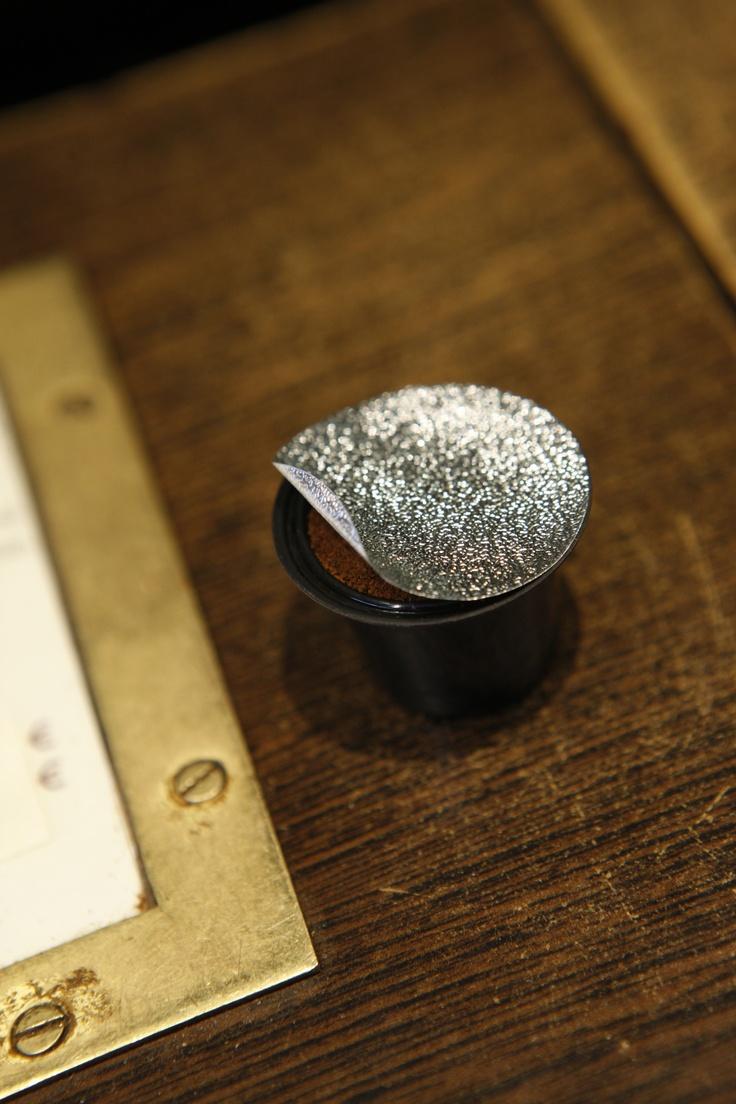 Capsul'in Kapseln für Nespresso Maschinen. Die güstige Alternative zu den Nespresso Kapseln - 100% kompatibel. Ob günstiger, Bio, Fairtrade oder frisch gerösteter Kaffee verwendet wird - SIE entscheiden! www.kaffee-kapseln.biz