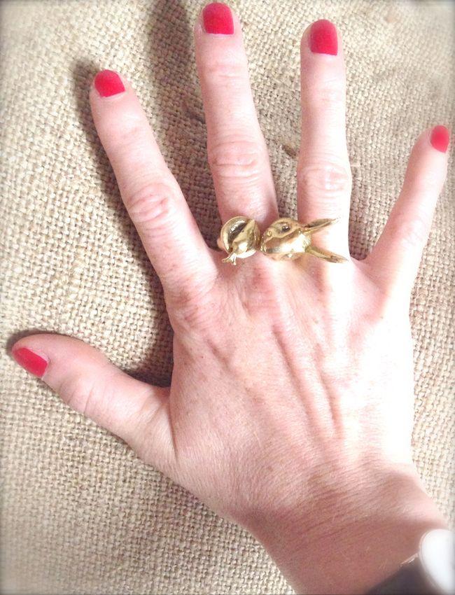 #ring #anelli #bracelets #malibu'#italy #flag #colors #glitter #golden #rabbits #vintage #jewels #bijoux #fashionblogger #fashionblog #trend #fashion #animalshaped #animals #animalier