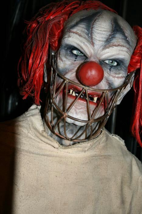 Scary clown! Hide! Hide! I think this is a bloke @BleedingFilms Jack might know!