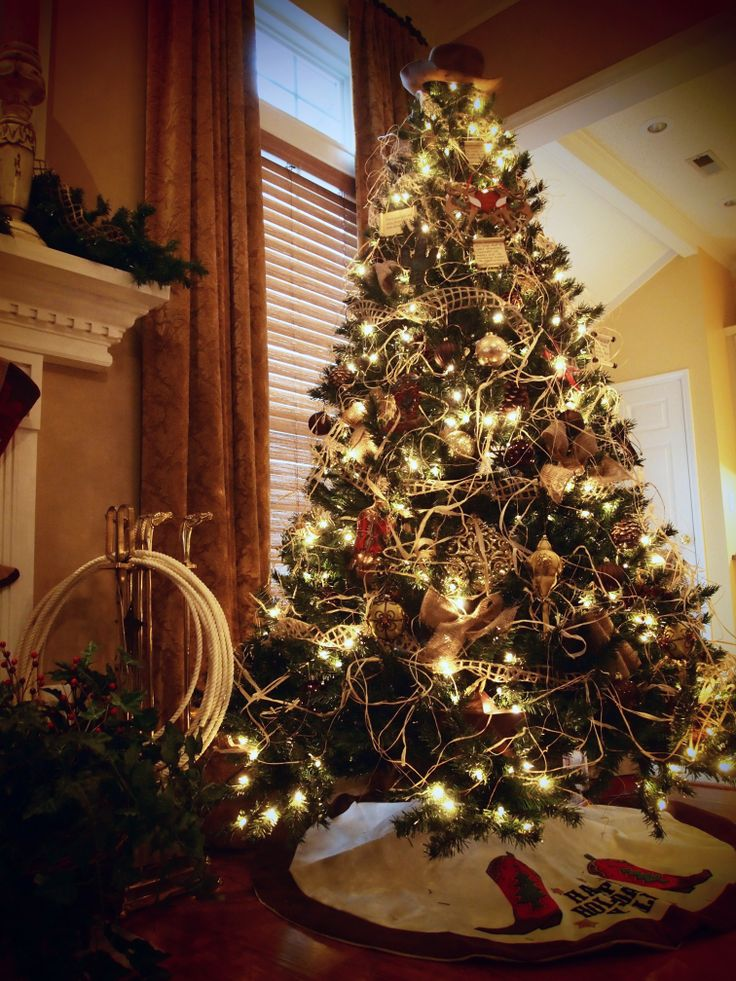 1000 Ideas About Western Christmas Tree On Pinterest
