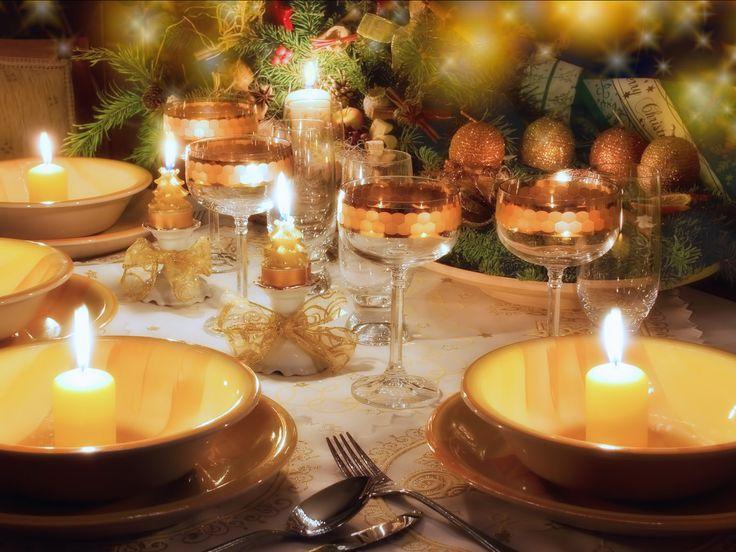 Regelmatig hoor ik stressgeluiden om me heen als het om kerst gaat. En dan met name rondom het kerstdiner. Blijkbaar vinden veel mensen dat ze met kerst alles uit de (keuken)kast moeten trekken om een bijzonder menu op tafel te toveren. Laat ik een geheimpje verklappen: een bijzonder menu dat toch heel eenvoudig te bereidenLees meer
