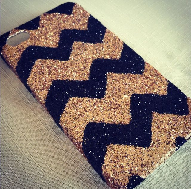 diy phone case ideas | Crafty and DIY / DIY glitter phone case..... well, you know, if I HAD an iphone....