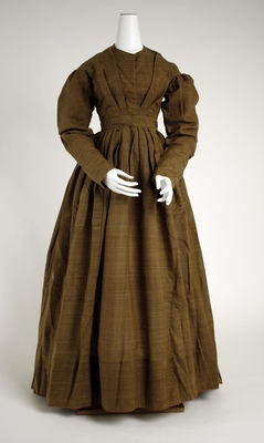 1830s Wool Work Dress. Must be late 1830s because the sleeves aren't big, the V shape is forming and the neckline is higher.