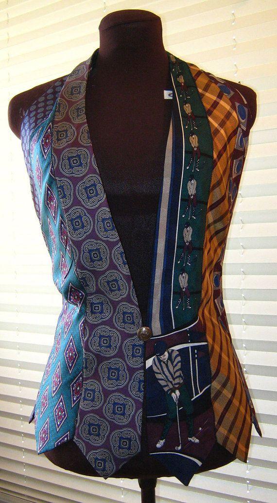 Vrouwen Vest gemaakt volledig van stropdassen in teal pruim